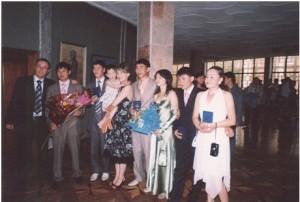 Выпускники 2007 года специальности История после вручения дипломов