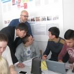 Практикант университета Потсдам Михаэль Зельгер проводит немецкий клуб для студентов факультета 2015