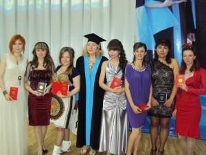 Студенты специальности ПиМНО 2013 года выпуска на вручении дипломов