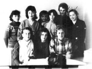 1987 год на занятии студенты группы ПиМНО 32